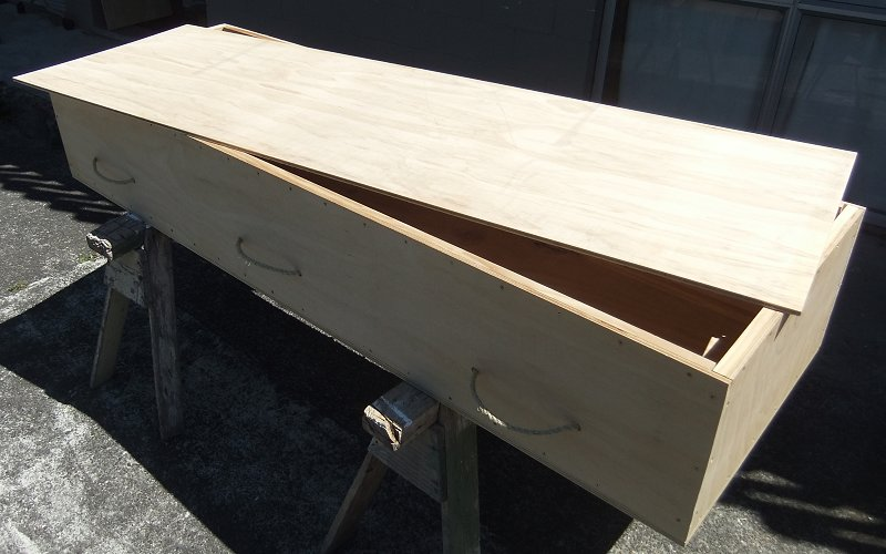 Caskets and coffins available from diy funerals plywood casket solutioingenieria Choice Image