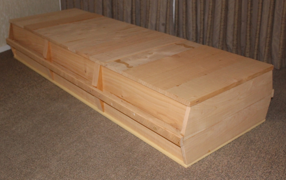 Caskets and coffins available from diy funerals this standard size casket is made from rough sawn macrocarpa and is reminscent of caskets used by our early new zealand pioneers solutioingenieria Choice Image